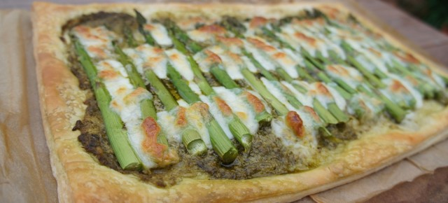 National Vegetarian Week and an asparagus, mozzarella and pesto tart